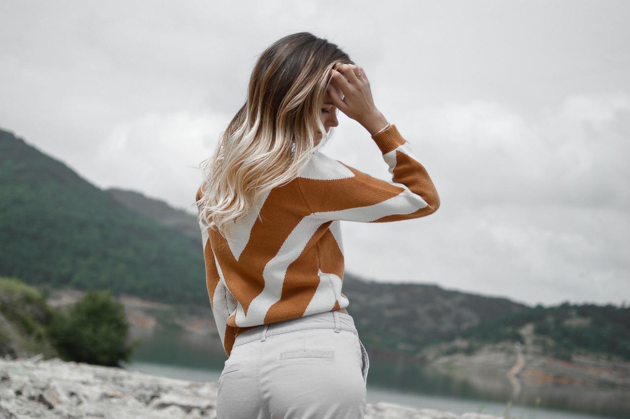 people 2591867 1280 - 12 Best Stylish Sweatsuits for Women in 2021