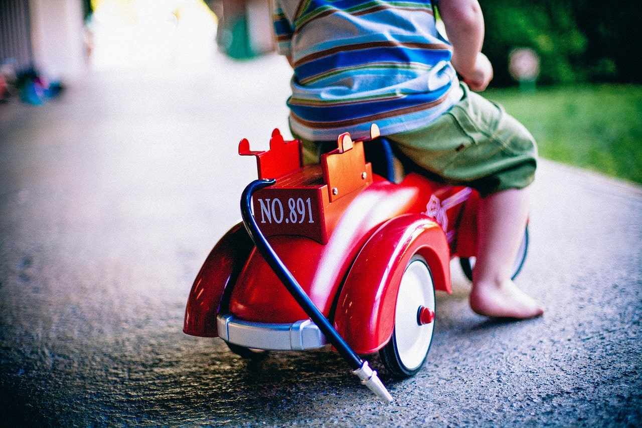bobby car 349695 1280 min - Dangers in the toybox. A parents guide to buying safe toys for your kids