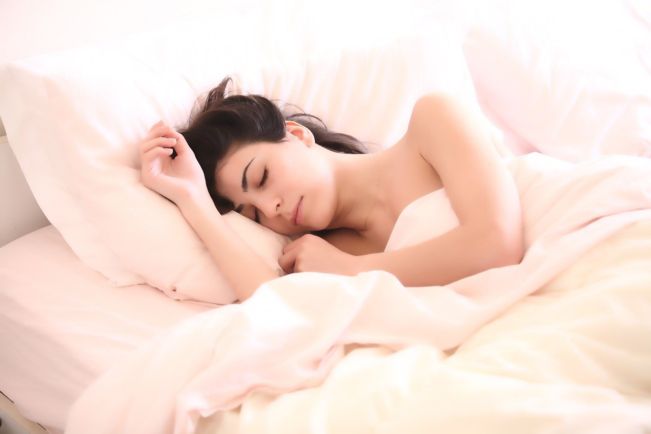 woman 2197947 1280 - Best Sleeping Positions During Pregnancy
