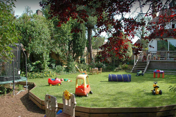 Hungry Minds Childcare 1 600x400 - Best Preschools in United Kingdom Near You