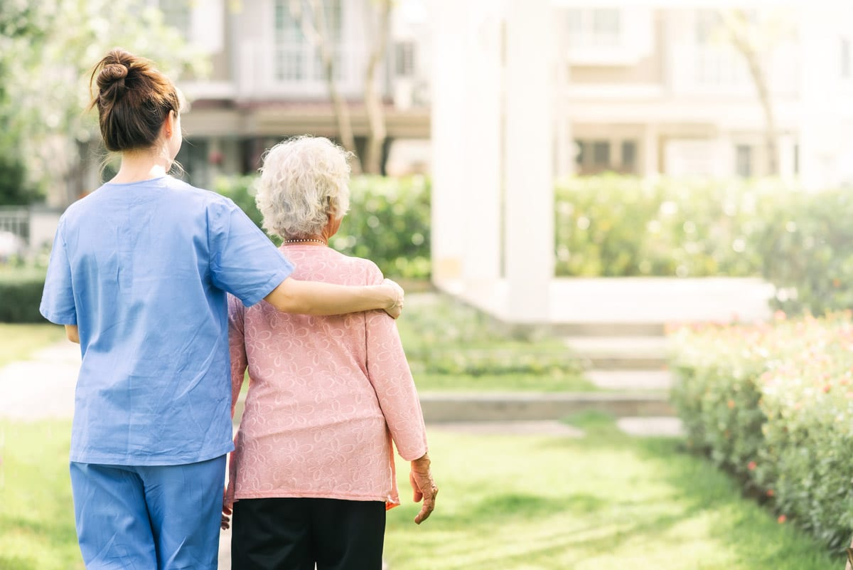 senior care 2 - Senior Care Guide: What To Expect When Caring For An Aging Loved One