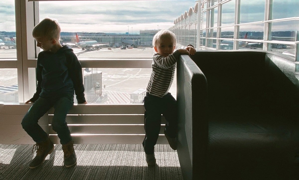 Simple Ways to Make the Airport More Enjoyable for Your Toddler - Simple Ways to Make the Airport More Enjoyable for Your Toddler